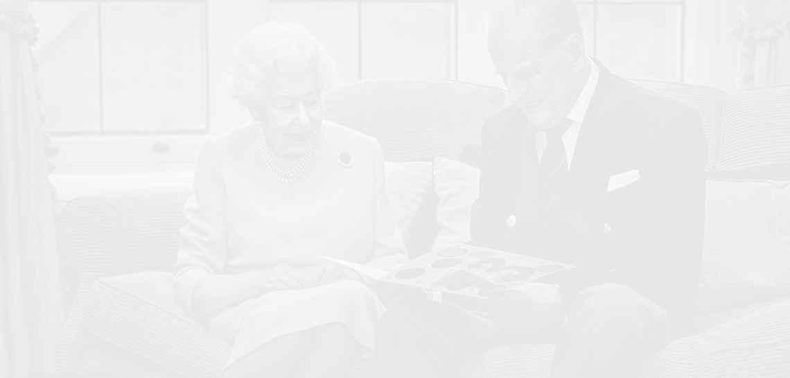 Кралица Елизабет II и принц Филип отбелязват 73 години брак