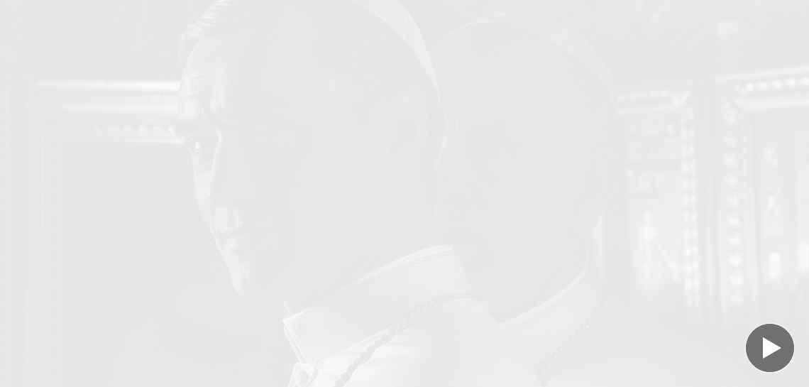 """Джъд Лоу изпада в кома в новия трейлър на сериала """"Младият Папа"""""""