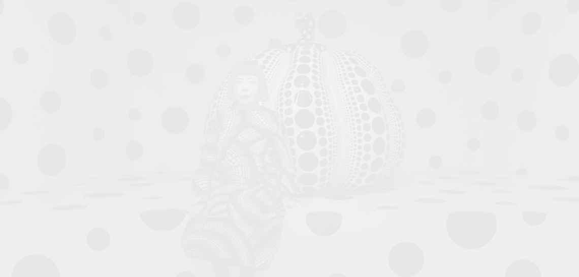 """На площад """"Вандом"""" в Париж се появи надуваема тиква"""