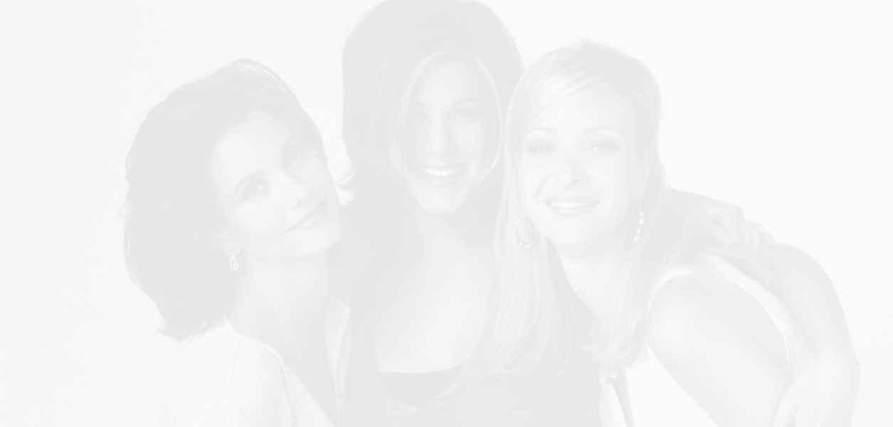 Дженифър, Кортни и Лиса - отново заедно