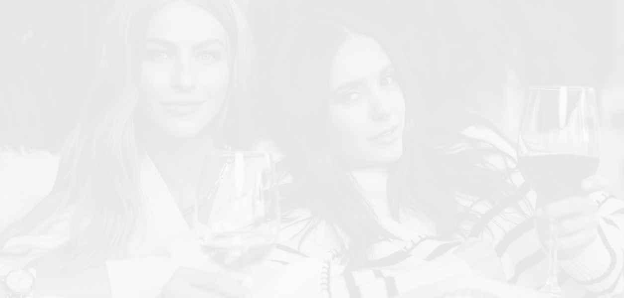 Нина Добрев и Джулиан Хъф пускат на пазара собствено вино