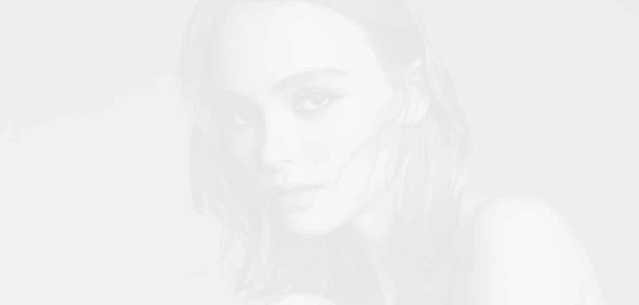 Chanel представи новогодишната си рекламна кампания на аромата № 5 L'Eau