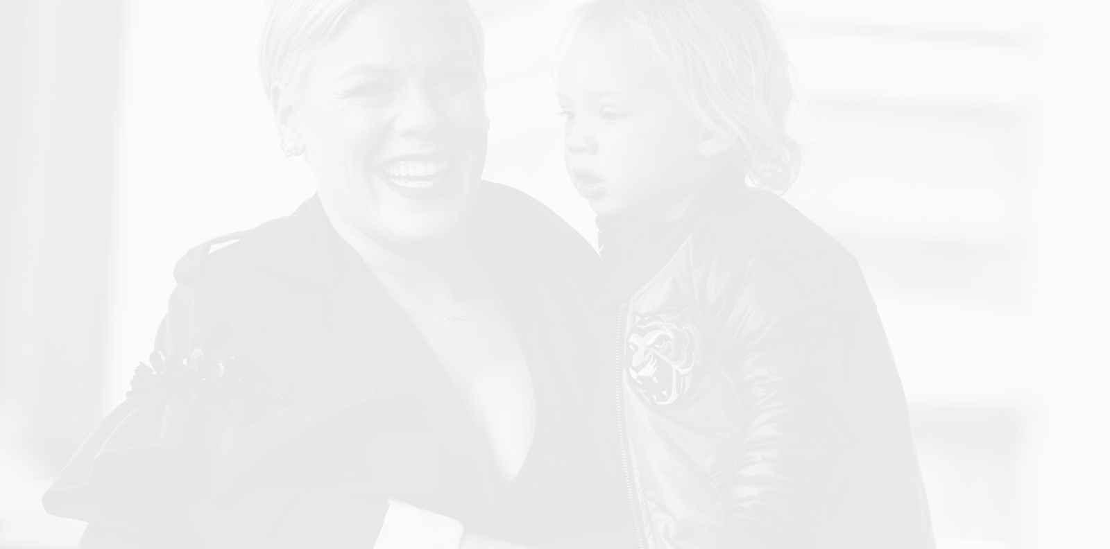 Пинк и 3-годишният й син са добре след положителен тест за коронавирус преди 2 седмици