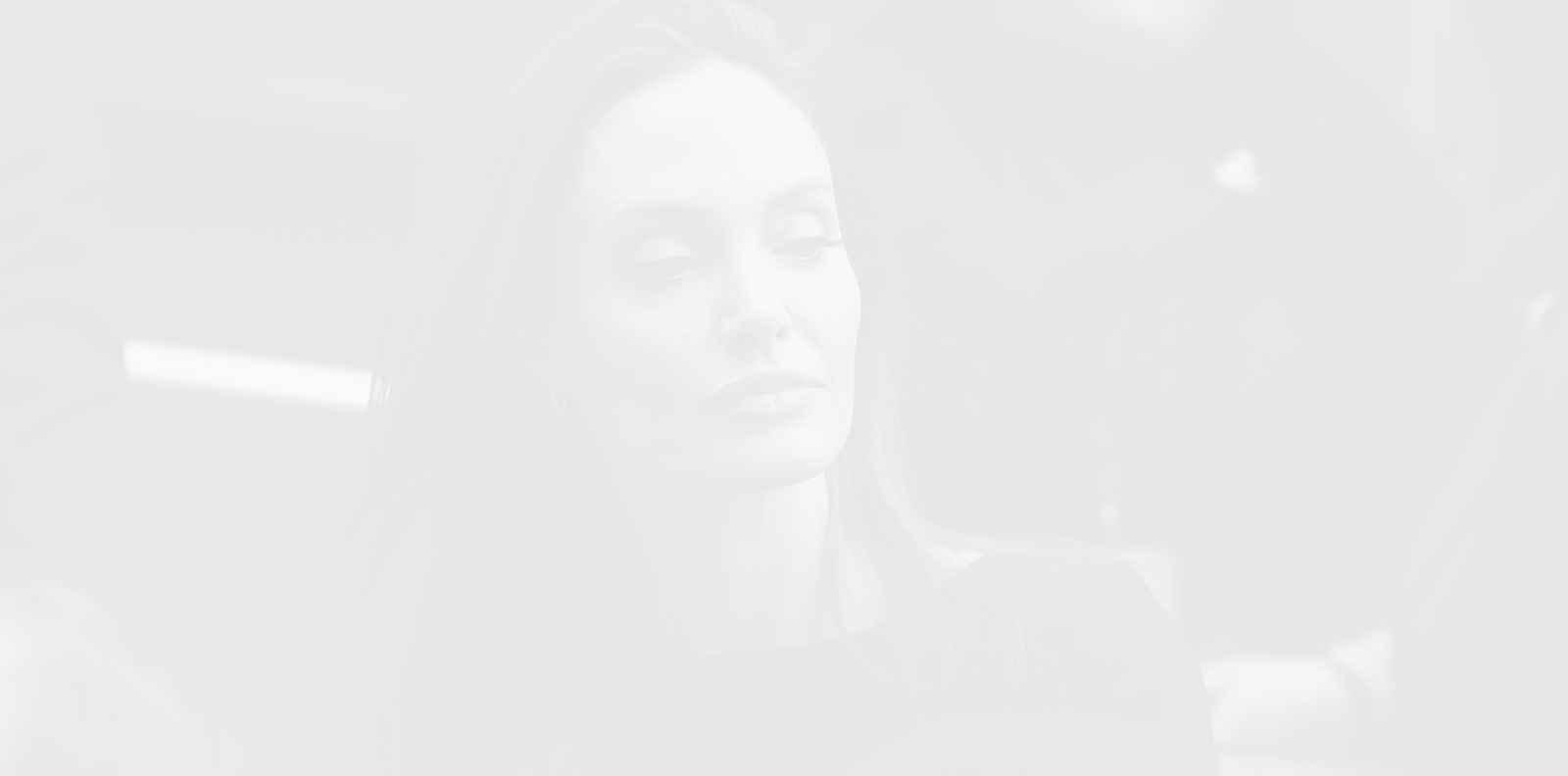 Анджелина Джоли има съвет към всички жертви на домашно насилие