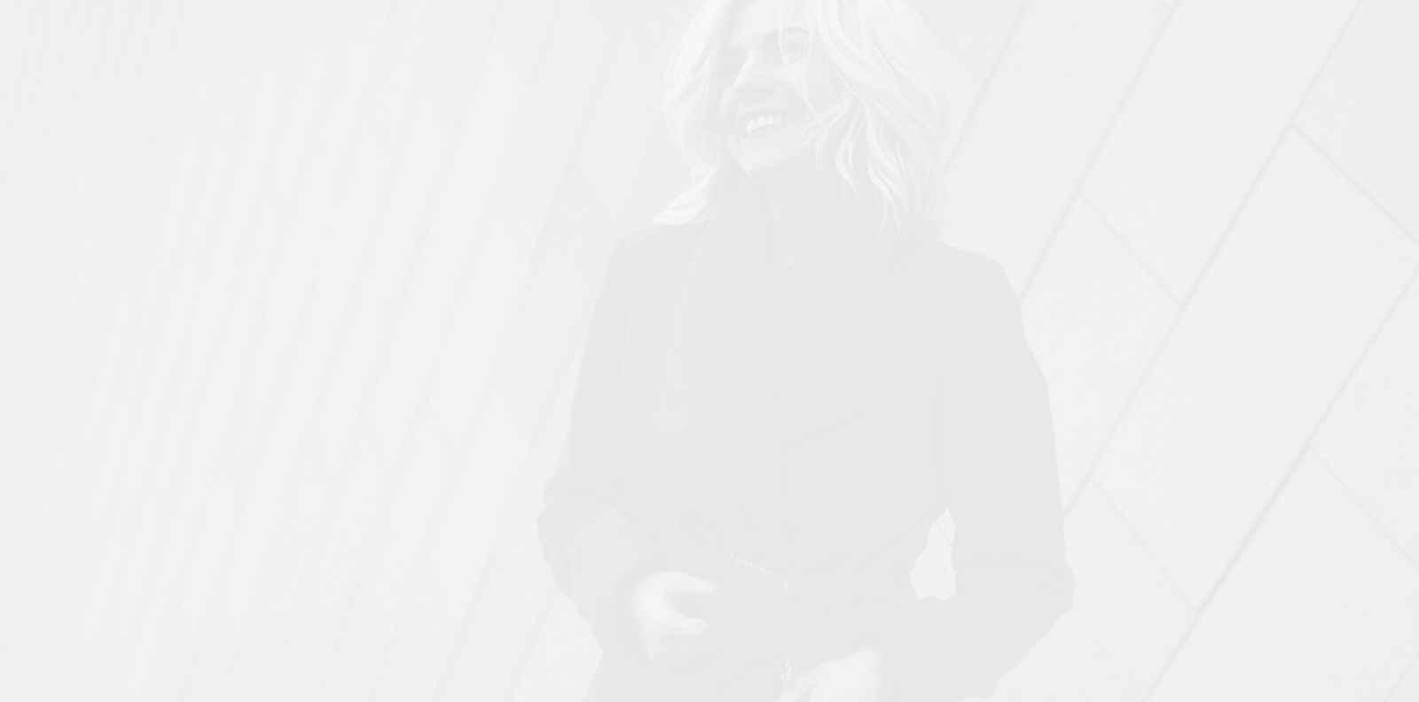 Поли Генова и нейното #StayHome Instagram предизвикателство
