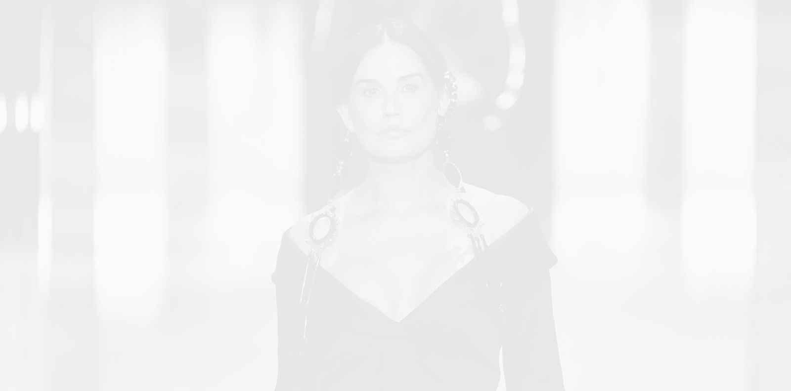 Деми Мур проговори за ревюто на Fendi