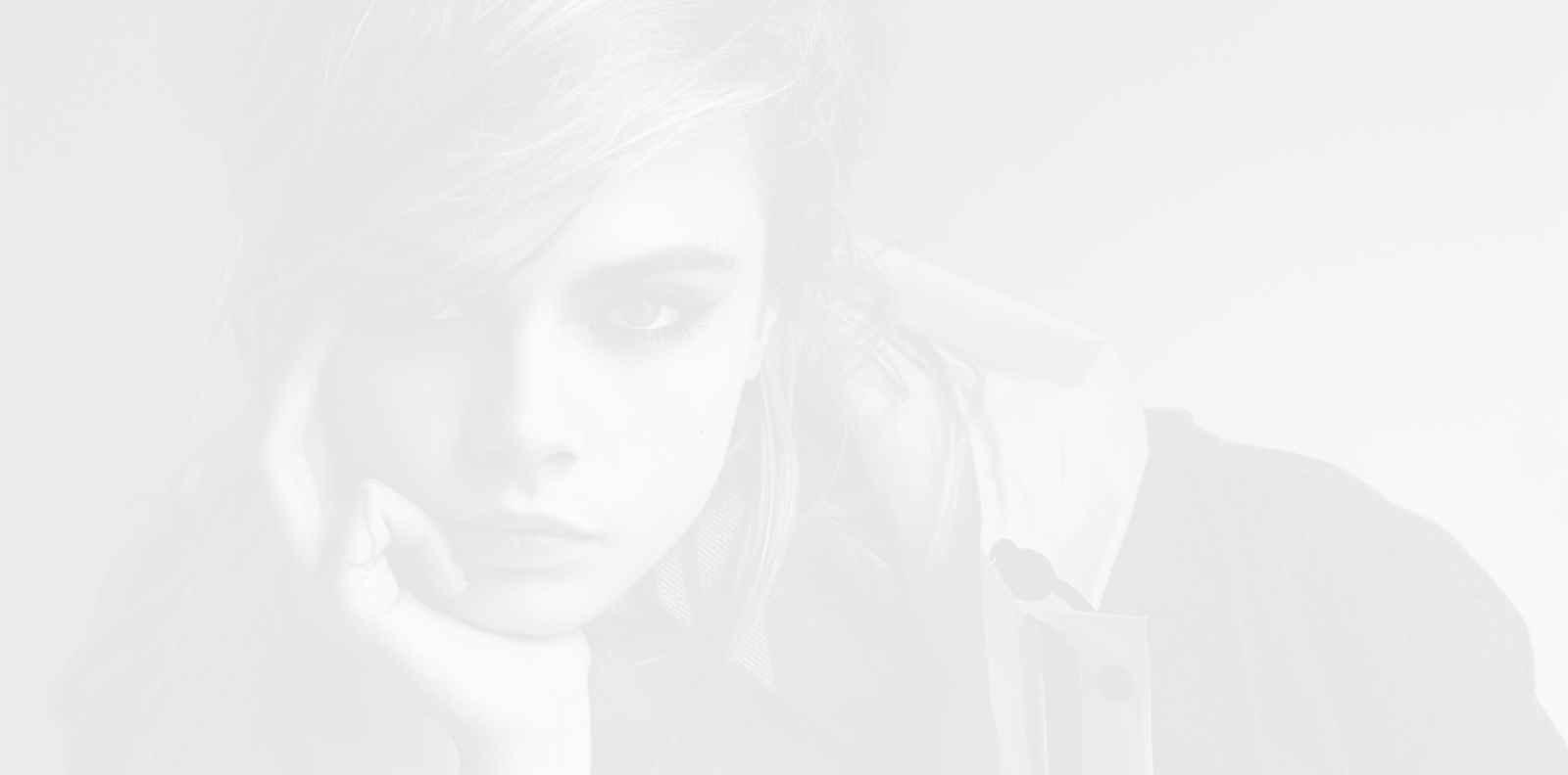 Роза на ветровете: Кара Делевин стана лице на колекцията бижута Dior Rose des vents