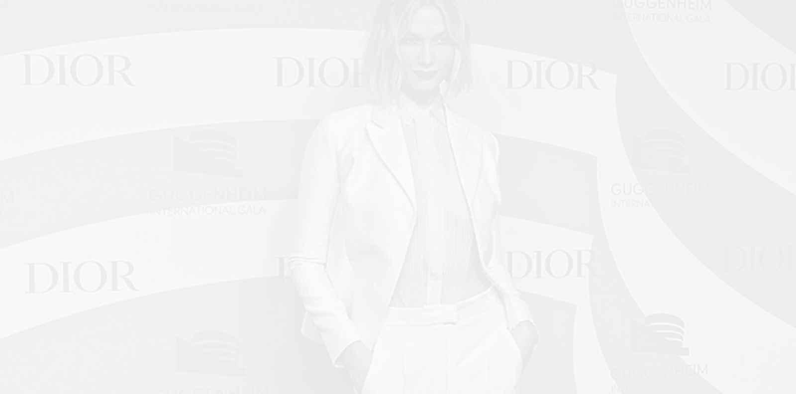 Ослепителна и секси - Карли Клос на гала вечерта на Dior
