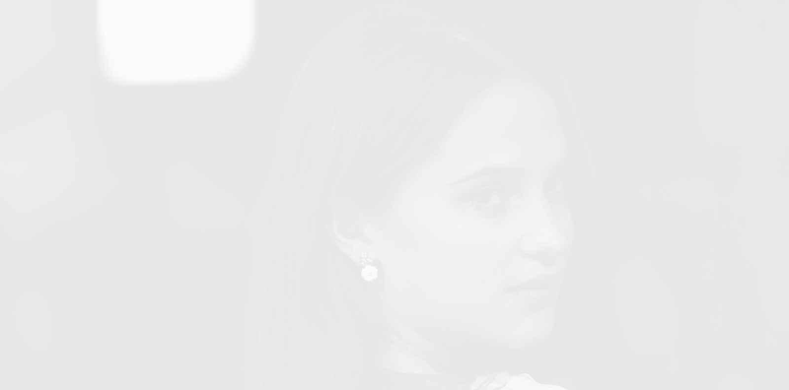 Алисия Викандер на 31: най-добрите стрийт визии на младата актриса