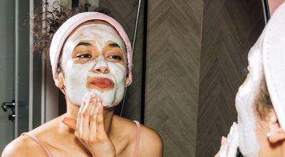 Лесните начини да се справите с мазната кожа