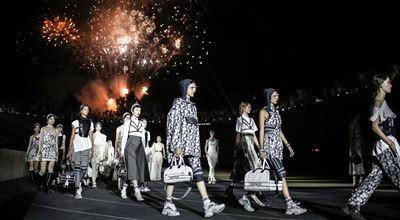 Dior Cruise 2022 носи магията на Древна Гърция
