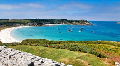 Островът, който Кейт Мидълтън и принц Уилям избраха за лятната си ваканция (ГАЛЕРИЯ)