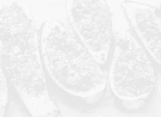 Пълнени тиквички с моцарела и билки