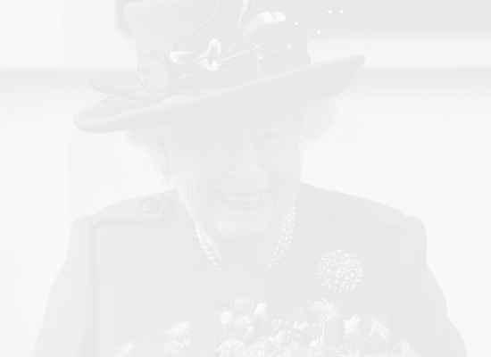 Възможно ли е кралица Елизабет II да се откаже от трона?