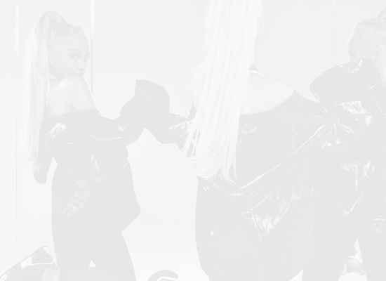Ариана Гранде пуска нов албум и влиза в редиците на Netflix