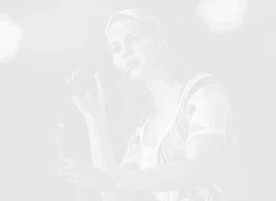 Лана Дел Рей издава дебютна книга с поезия