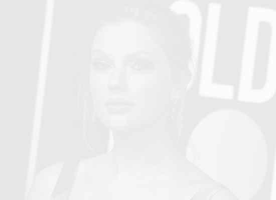 Тейлър Суифт дари 13 000 долара на майки в нужда