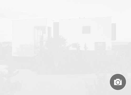 Вижте новото имение на Риана в Хемптънс (ГАЛЕРИЯ)