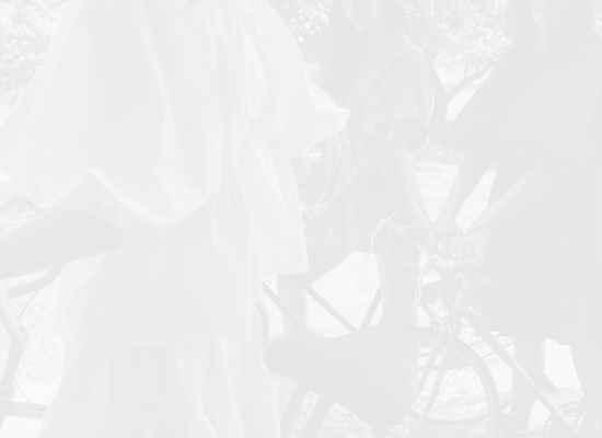Флорален сюрреализъм от Oscar de la Renta Resort 2022