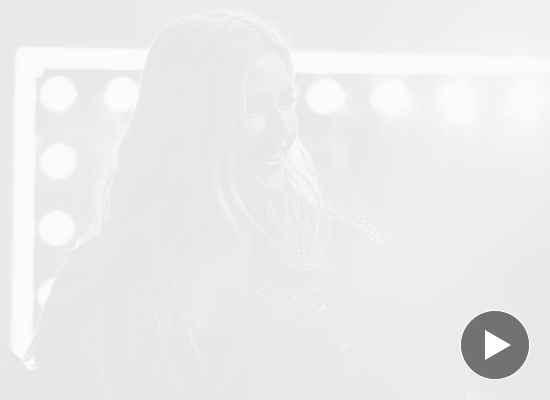 Новият албум на Ели Голдинг е страхотен... и направен от рециклирани материали!