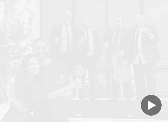 Специалната годишнина на Ева Лонгория и Хосе Бастон