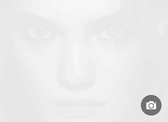 Как да прикрием недоспиването: сълзи от сребърни частици в шоуто на Fendi