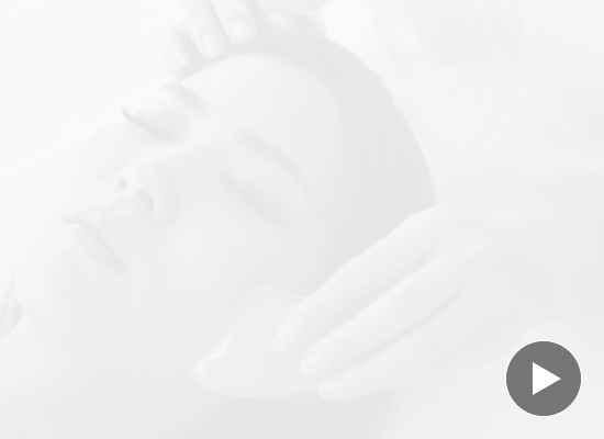 Масажът гуаша: лек срещу отоци и тонус за кожата