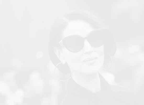 Самата елегантност: Моника Белучи с напълно нова визия на ревюто на Dior