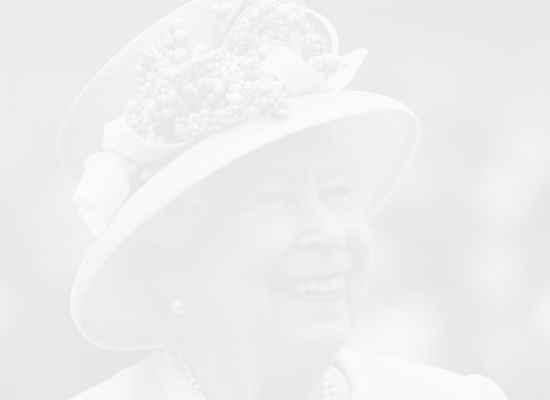 Кралицата и мачовците