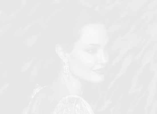 """""""Аз исках да видя как децата ми порастват"""" - Анджелина Джоли за решението да отстрани гърдите си"""