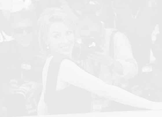 Вино и нова музика за 52-рия рожден ден на Кайли Миноуг