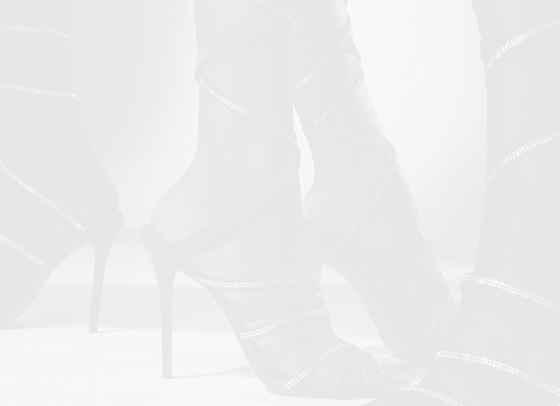 Секси, по-секси, обувки Fenty