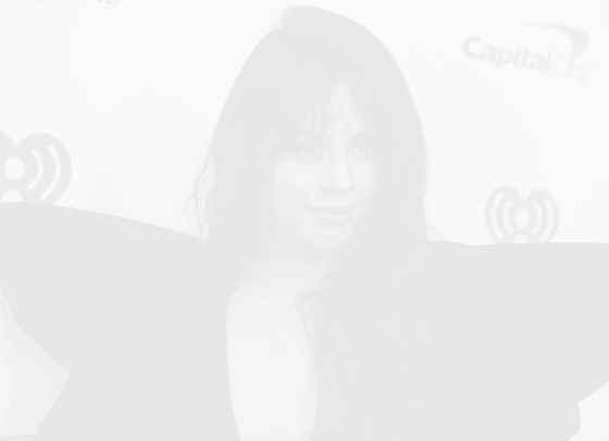 Камила Кабейо взриви TikTok с body positivity видео