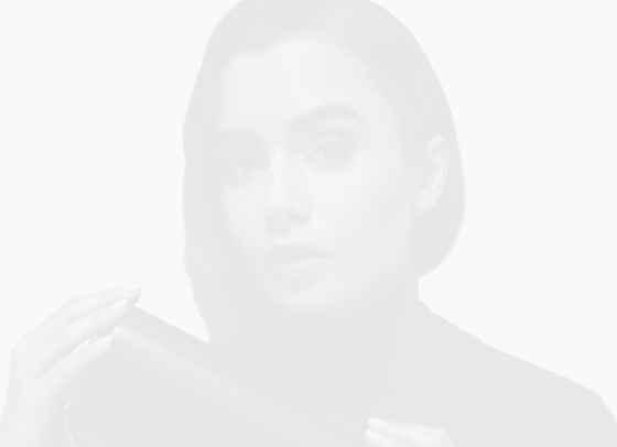 Лили Колинс е новото лице на Cartier
