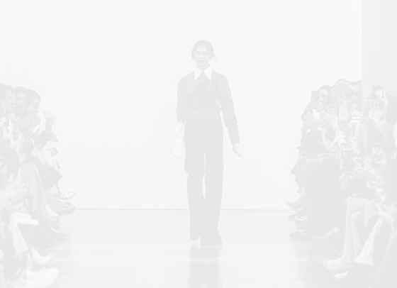 Виктория Бекъм намалява цената на моделите си с 40%