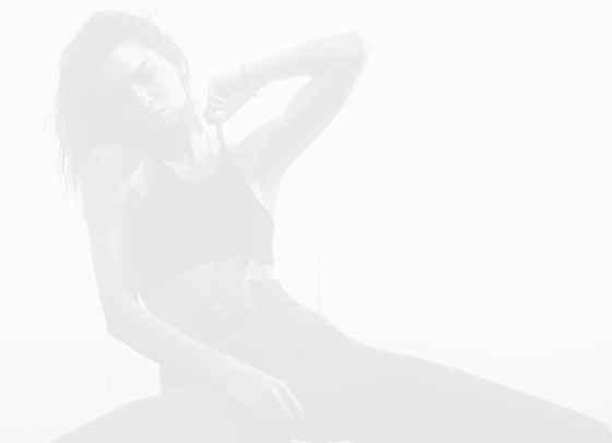 Beauty подходът на Кендал Дженър: Домашна маска за лице и хубаво червило