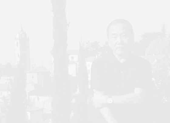 Харуки Мураками с тениски за Uniqlo