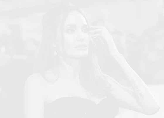 """Анджелина Джоли не може да бъде """"традиционната майка, която стои вкъщи"""""""