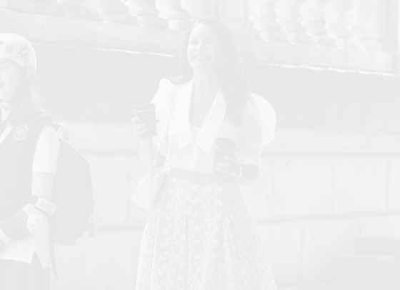 Steal Her Style: Кристин Дейвис в жълто и бяло