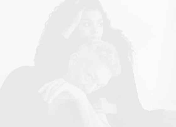 Тина Кунаки и Венсан Касел дебютират като дизайнери