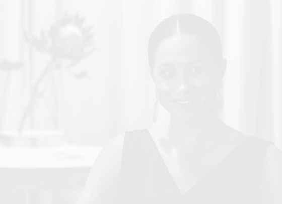 Патрик Дж. Адамс публикува редки снимки на Меган Маркъл