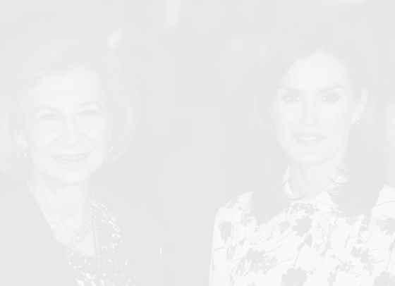 Вечно лято: кралица Летисия в рокля на Hugo Boss